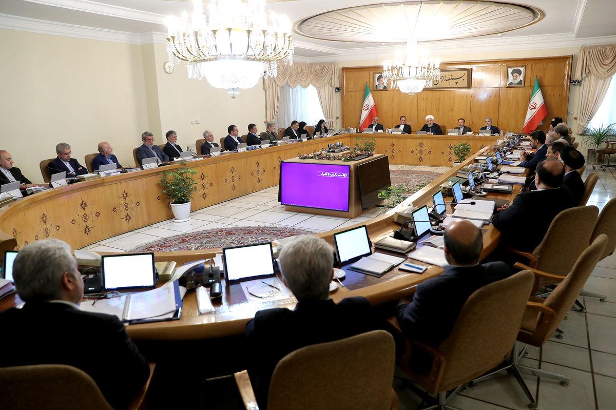 روحانی: دولت هرگز فرصت مذاکره را از دست نداده و نخواهد داد /  به اسم مذاکره کنار میز تسلیم نمینشینیم