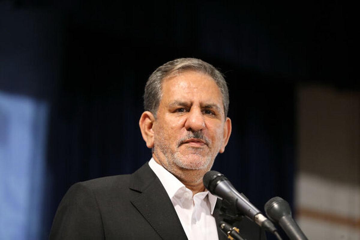 ایران با مشتی آهنین در برابر متجاوزان میایستد/ در شرایط تحریم سال جاری درآمد کشور بیشاز ۷۰میلیارد دلار بود
