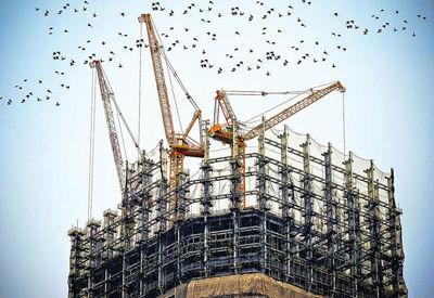 عوامل موثر بر سرمایهگذاری ساختمانی