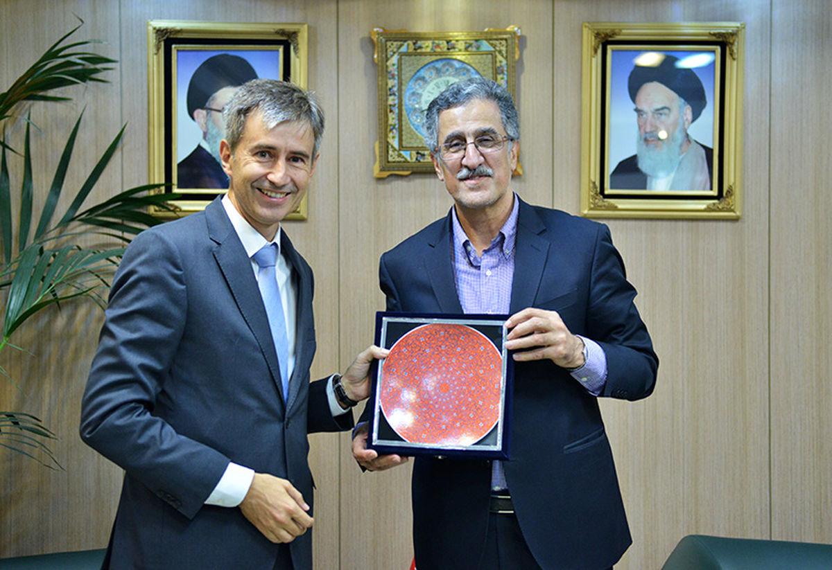 توسعه روابط بانکی ایران و سوییس/ ضرورت ارائه تصویری شفاف از اقتصاد ایران به سرمایهگذاران خارجی