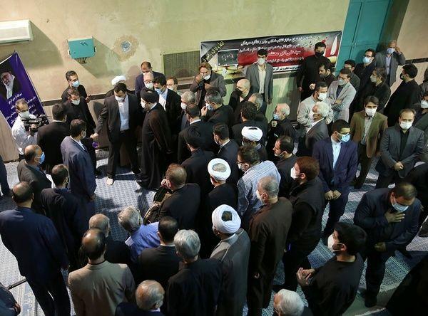 مراسم+تشییع+حجت+الاسلام+و+المسلمین+محتشمی+پور+در+حسینیه+جماران