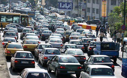تهران ۵ برابر ظرفیت خودرو دارد