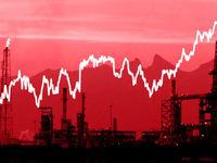 نفت در سقف شش ماهه ایستاد/ 2بال اقتصادی صعود طلای سیاه