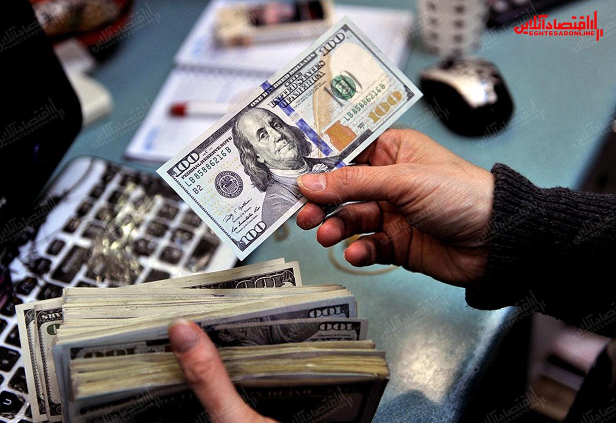 کاهش قیمت دلار و یورو در صرافیها / قیمت در بازار آزاد ثابت ماند