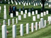 دونالد ترامپ و همسرش در قبرستان ملی آمریکا +تصاویر