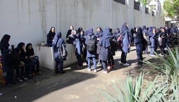 مزاحمان در اطراف مدارس منتظر پلیس باشند