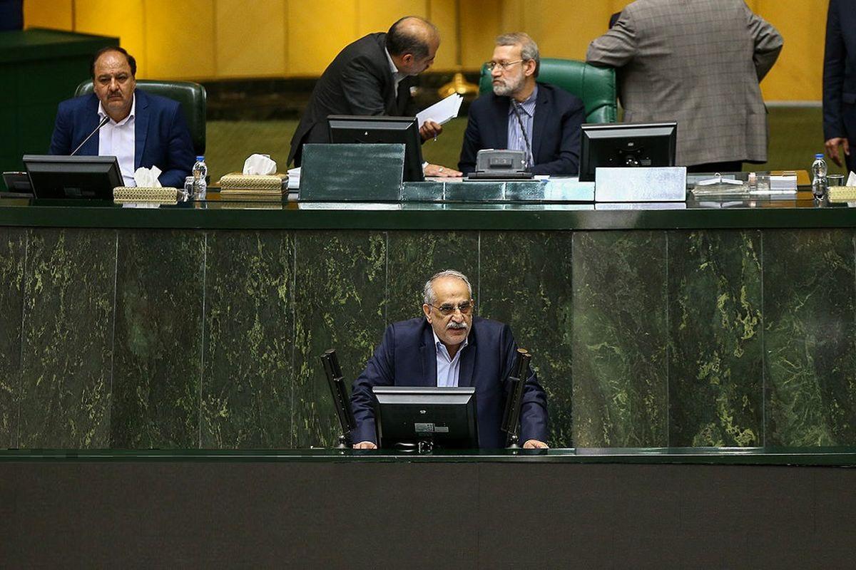 کرباسیان: نوسان ارزی به معنی ناکارآمدی کل اقتصاد ایران نیست/ مجلس به وزیر اقتصاد رای اعتماد نداد