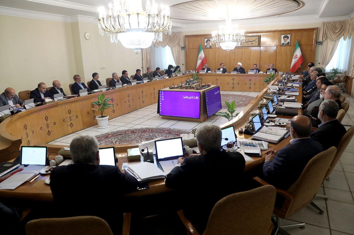 روحانی: مذاکرات با نخست وزیر ژاپن بسیار مفید و ارزشمند بود/ اقدامات آمریکا علیه ملت ایران تروریسم اقتصادی است