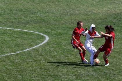 دیدار تیمهای فوتبال دختران ایران و اردن +تصاویر
