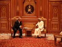نخست وزیر رژیم صهیونیستی با سلطان قابوس دیدار کرد