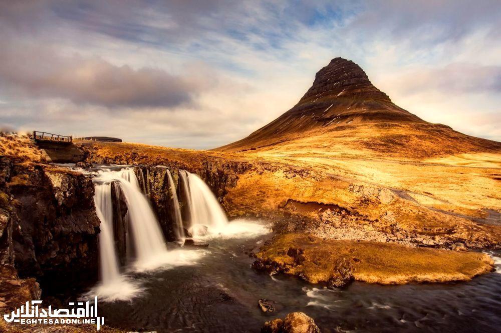 منظره کوهستانی ایسلند.