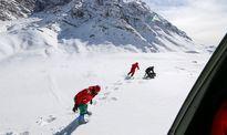 آغاز عملیات تفحص با اعزام یک تیم ۶ نفره به قله دنا