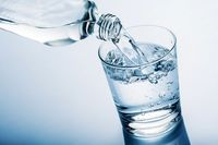 آب فشار خونتان را کنترل  میکند؟