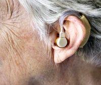 علائم اصلی پیرگوشی در سالمندان +عکس
