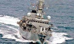 کشتی جنگی انگلیس در نزدیکی شبه جزیره کره