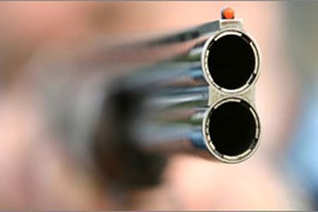 پسر ناخلف به مادرش شلیک کرد