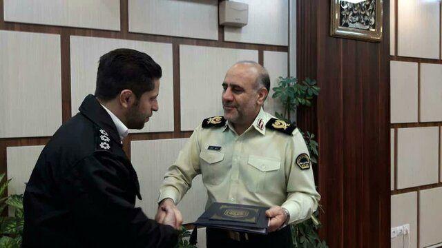 (عکس) تقدیر پلیس از مأمور ماجرای فرهاد مجیدی