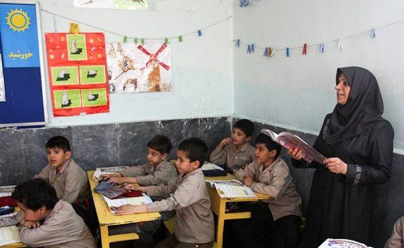 زندگی دشوار معلمان حق التدریس با حقوق ناچیز