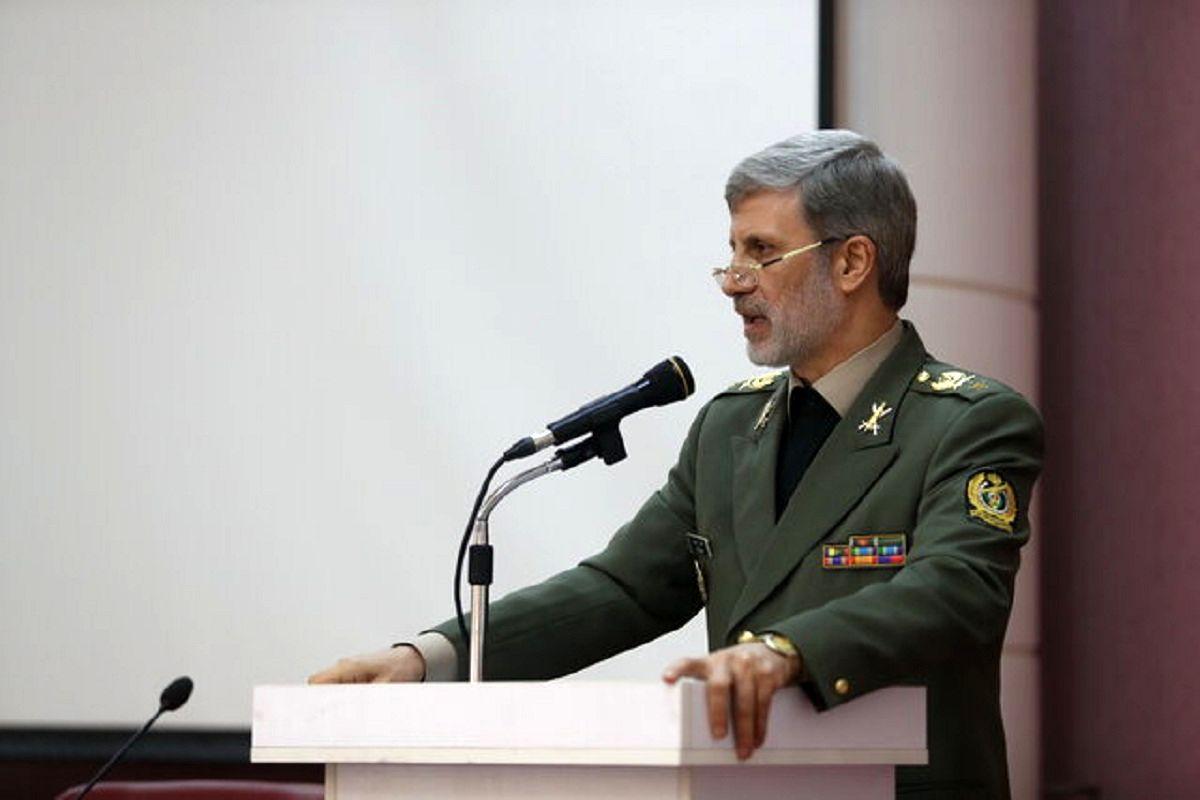 وزیر دفاع: نهضت قطعه سازی در نیروهای مسلح نمود عینی دارد