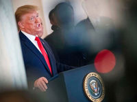 ترامپ برای جلوگیری از شیوع کرونا قانون پیشنهاد کرد