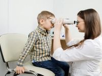 علائم سرطان چشم در کودکان