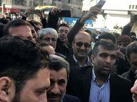 حضور احمدینژاد و مشایی مقابل محل برگزاری دادگاه بقایی