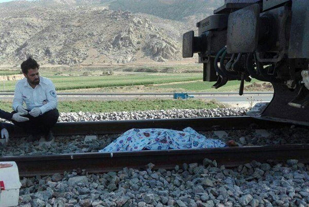له شدن دختر ۱۴ساله در تصادف با قطار