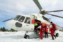 نان و دارو با بالگرد به روستاهای هشترود ارسال میشود