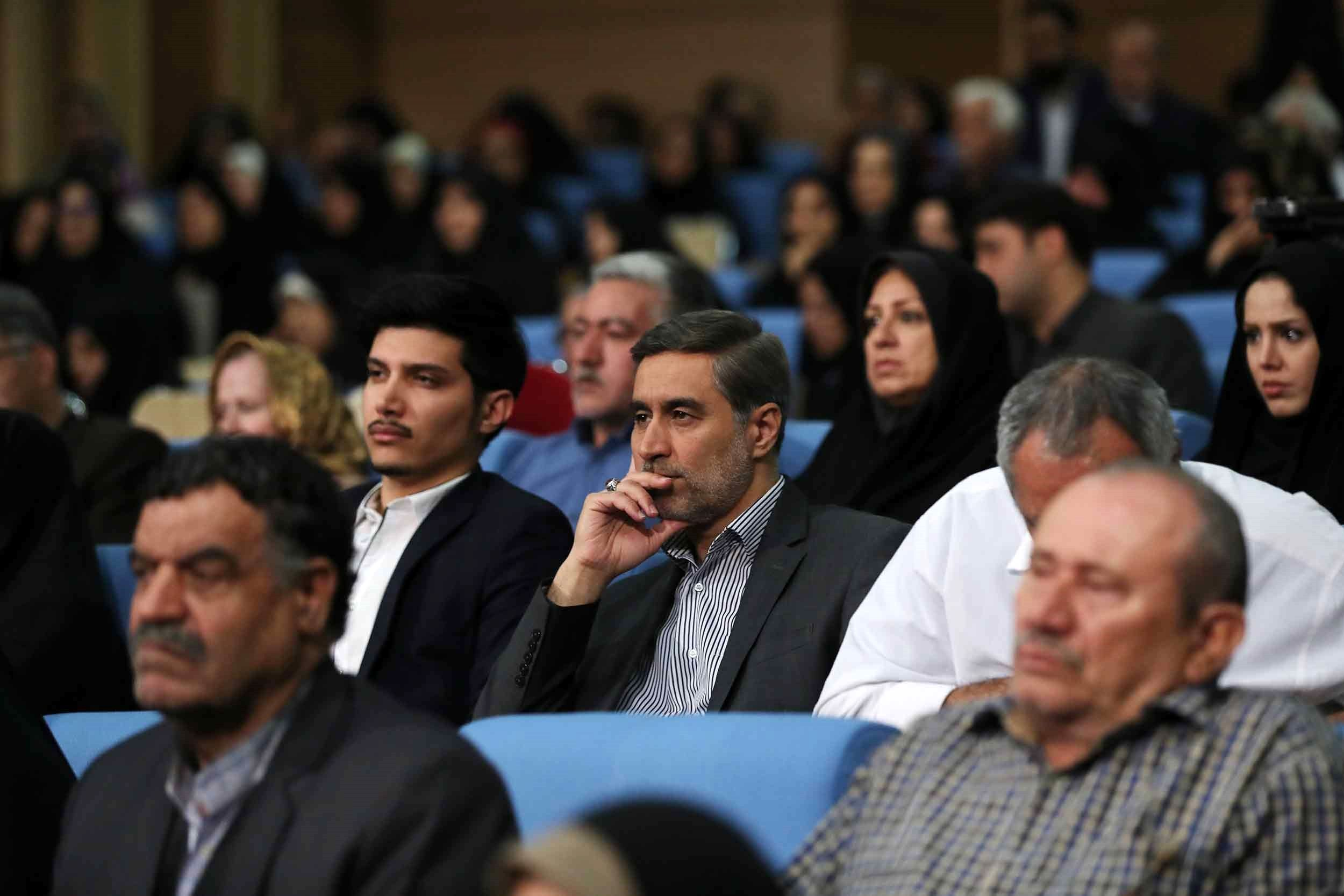 ضیافت افطار رdیسجمهور با خانواده شهدا