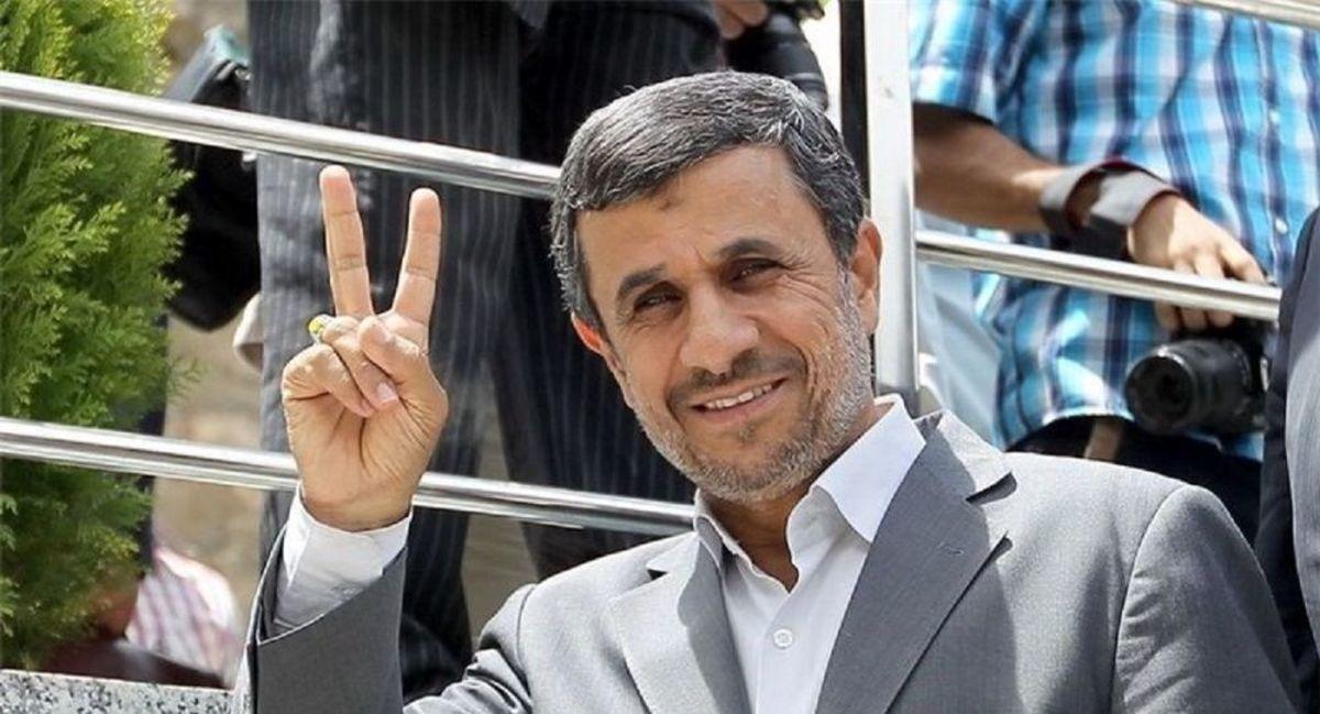 حاشیه های حضور احمدی نژاد در وزارت کشور! +فیلم