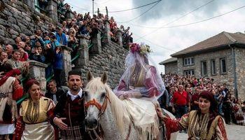 قدیمیترین فستیوال سنتی ازدواج اروپا +تصاویر