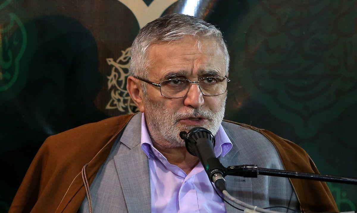دستور توقف به  حاج منصور