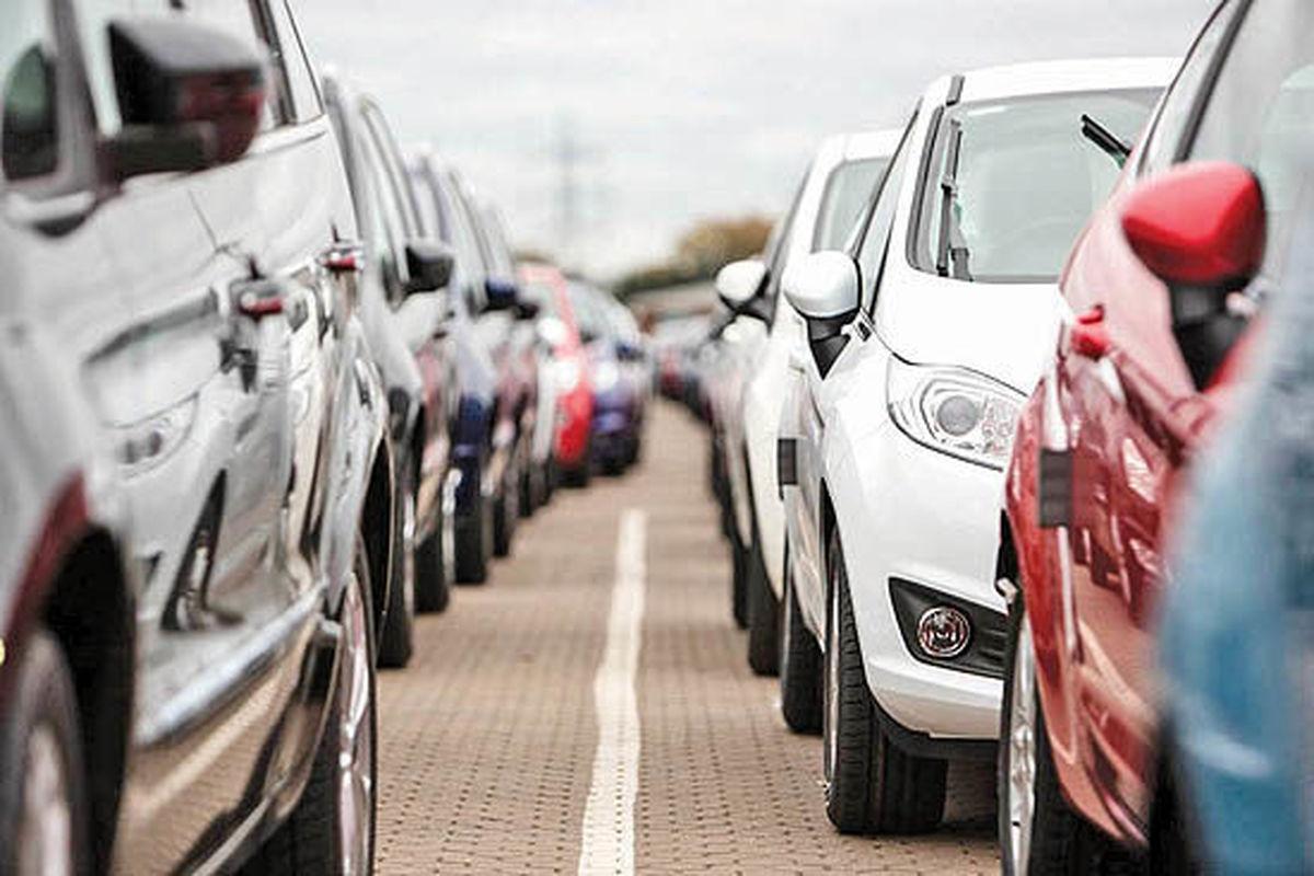 مصوبه رانتی واردات خودرو توسط دولت/ تبعیض آشکار بین سرمایهگذار ایرانی و خارجی