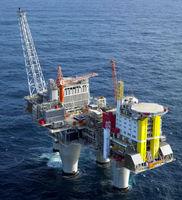طوفان اصلیترین عامل افت ذخایر نفت آمریکا/ ۴١میلیون بشکه از تولید نفت فراساحل از بین رفت