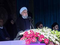 روحانی: ایران در برابر هیچ قدرتی سر فرود نمیآورد/ ما نفتمان را خواهیم فروخت