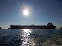 صادرات نفت خام ایران بدون مشکل ادامه دارد