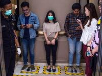 ماندگاری ویروس کرونا در آسانسور پس از سرفه