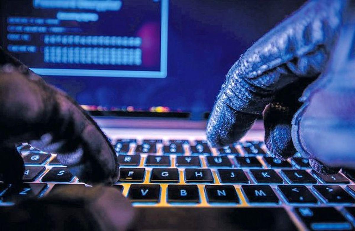 چگونه از شر سارقان آنلاین جان سالم به در ببریم؟