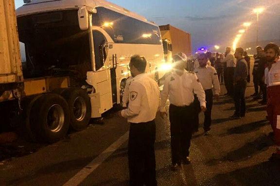 تصادف اتوبوس با پراید ۱۶مصدوم داشت
