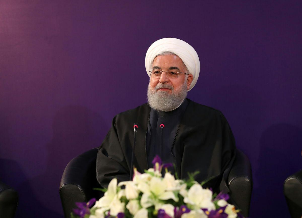 روحانی: قیمت حاملهای انرژی افزایش نمییابد/ در بودجه۹۸ کالاهای اساسی با ارز۴۲۰۰ تامین میشود
