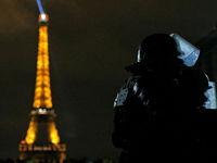 عکس سردار سلیمانی در دست معترض پاریسی! +عکس