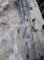 رودخانه درکه تهران طغیان کرد +فیلم