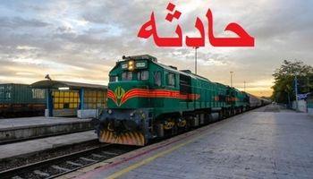 برخورد قطار تهران - مشهد با یک دستگاه نیسان