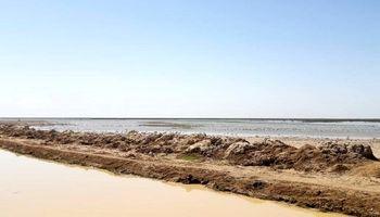ورود سیلاب به مزارع کشاورزی ٣روستای شادگان