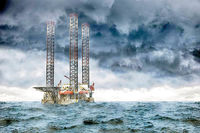 نفت چطور برخلاف پیش بینیها گران شد؟