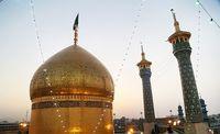 آیین تعویض پرچم گنبد حرم حضرت فاطمه معصومه (س) +عکس