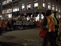 شعار طرفداران ترامپ در آتلانتا، فونیکس و واشنگتن +فیلم