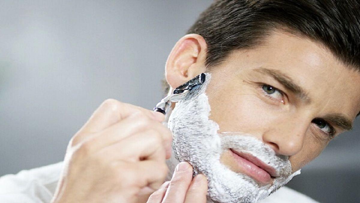 با این ترفندها، جوش های پس از اصلاح صورت را محو کنید