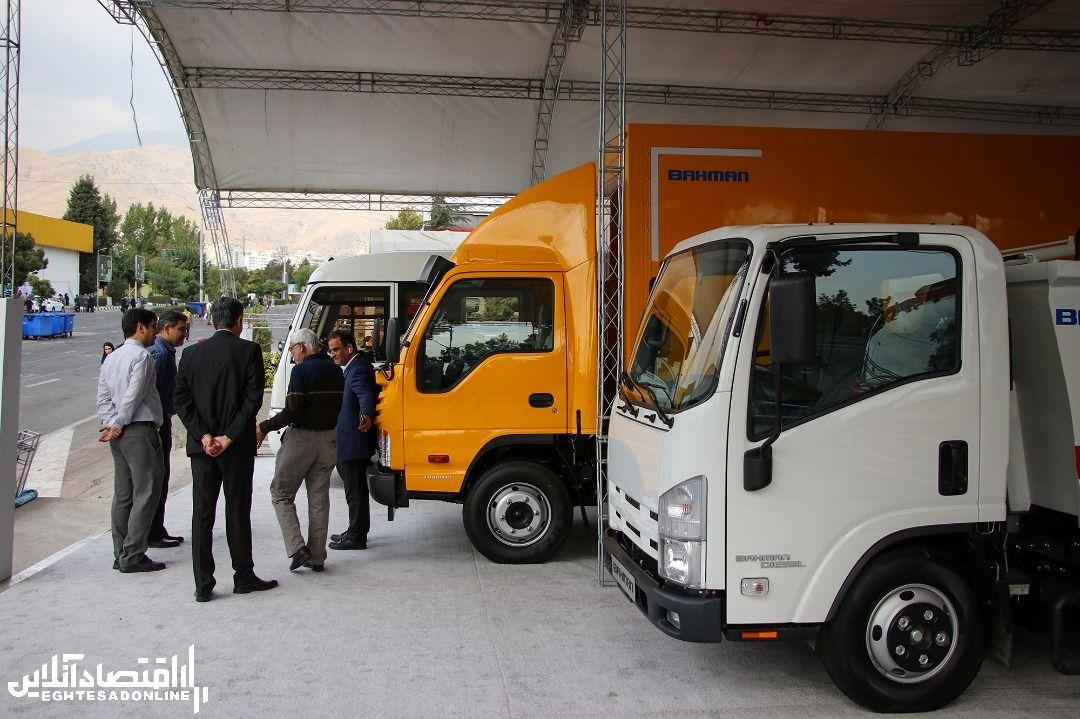 رونمایی از دو محصول جدید گروه بهمن در نمایشگاه حمل نقل