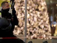 درگیری پلیس و معترضان به قوانین قرنطینه در برلین +فیلم